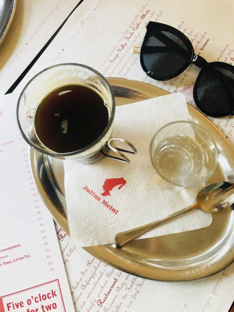 捷克布拉格Cafe Louvre 羅浮咖啡/走進百年咖啡館 15