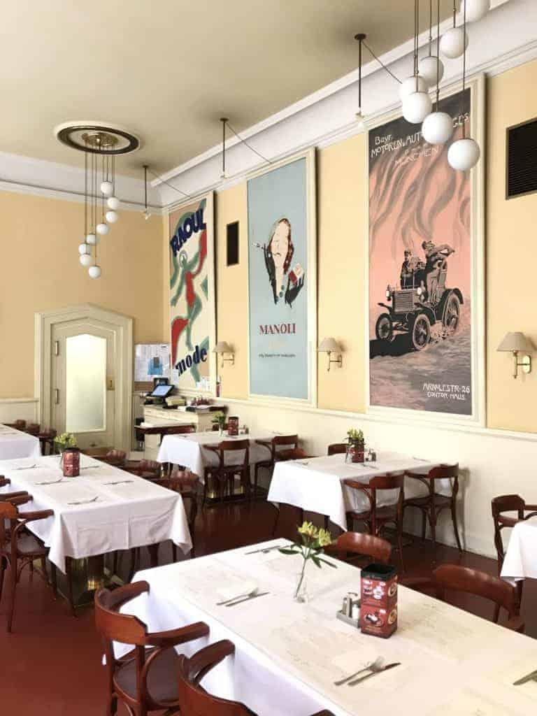 捷克布拉格Cafe Louvre 羅浮咖啡/走進百年咖啡館 13