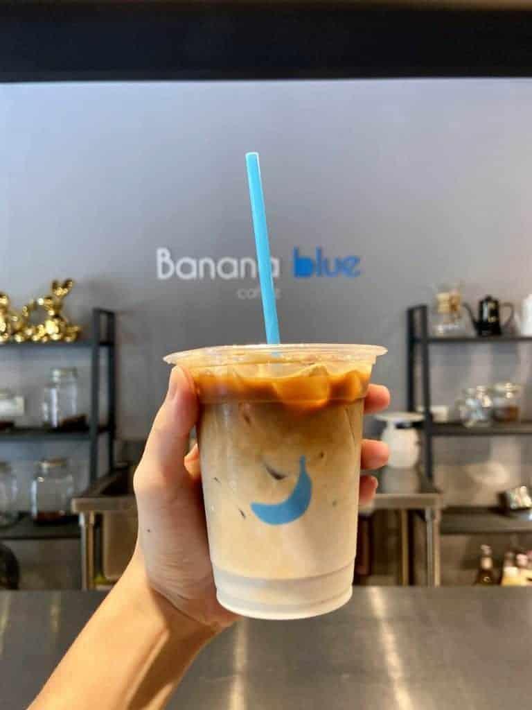 Banana Blue Coffee 香蕉藍咖啡 經典冰拿鐵