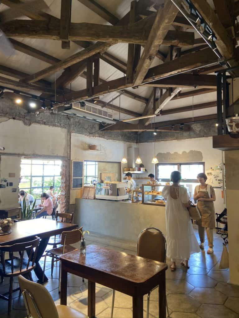 屏東美食/伯虎在二樓 恆春BUT WHO 計時制老宅玻璃屋咖啡店 8