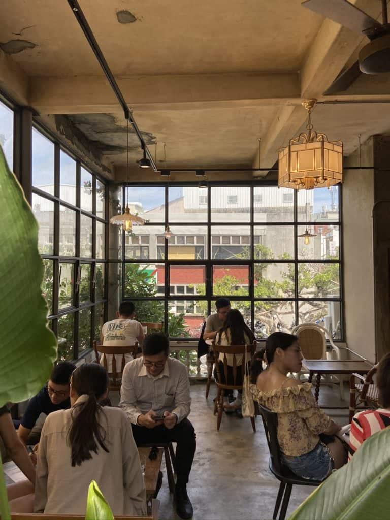 屏東美食/伯虎在二樓 恆春BUT WHO 計時制老宅玻璃屋咖啡店 16