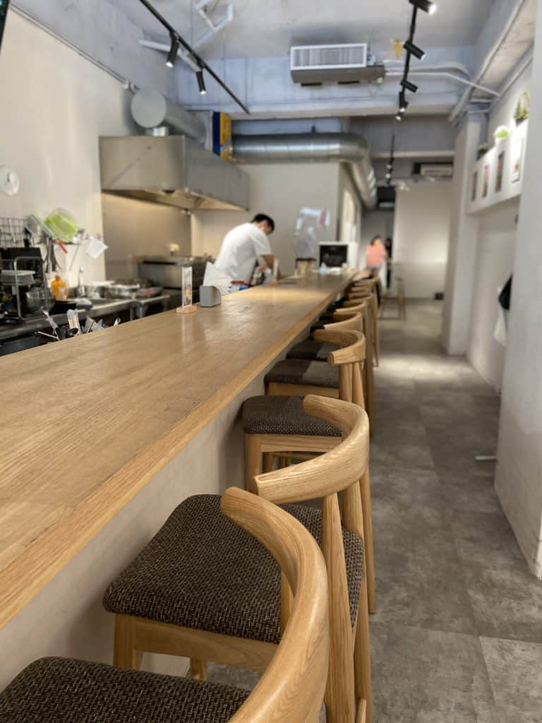 台北中山/Take Out Burger&Cafe 民權店 手工漢堡手打肉排 美式餐廳 療癒貓咪美式餐廳 5