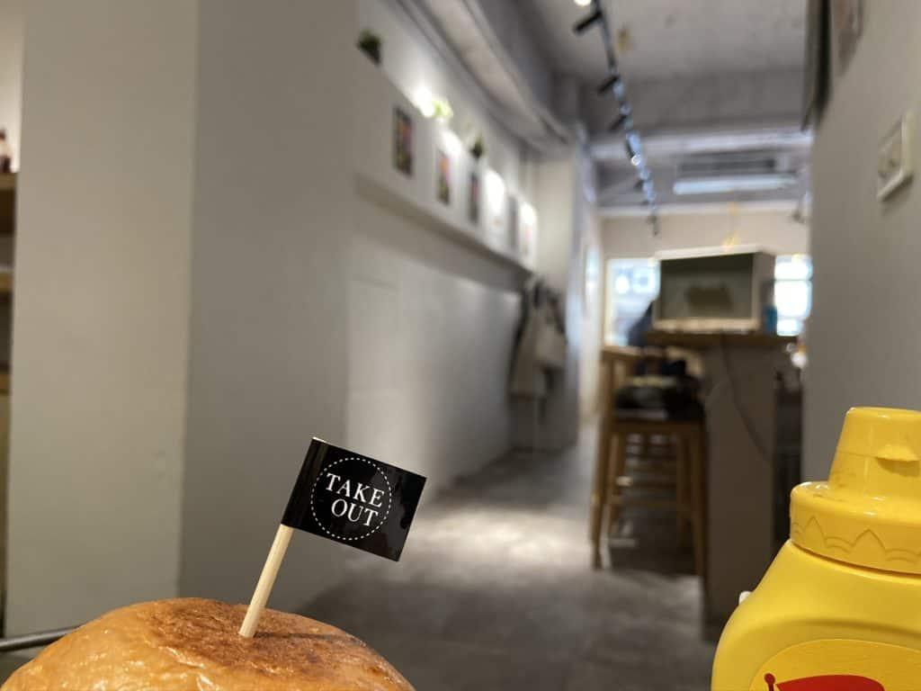台北中山/Take Out Burger&Cafe 民權店 手工漢堡手打肉排 美式餐廳 療癒貓咪美式餐廳 21
