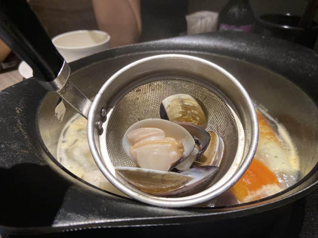 台北101美食/食令·shabu 火鍋界的愛馬仕 A5鹿兒島和牛、法國頂級藍龍蝦 情侶浪漫約會新選擇 24