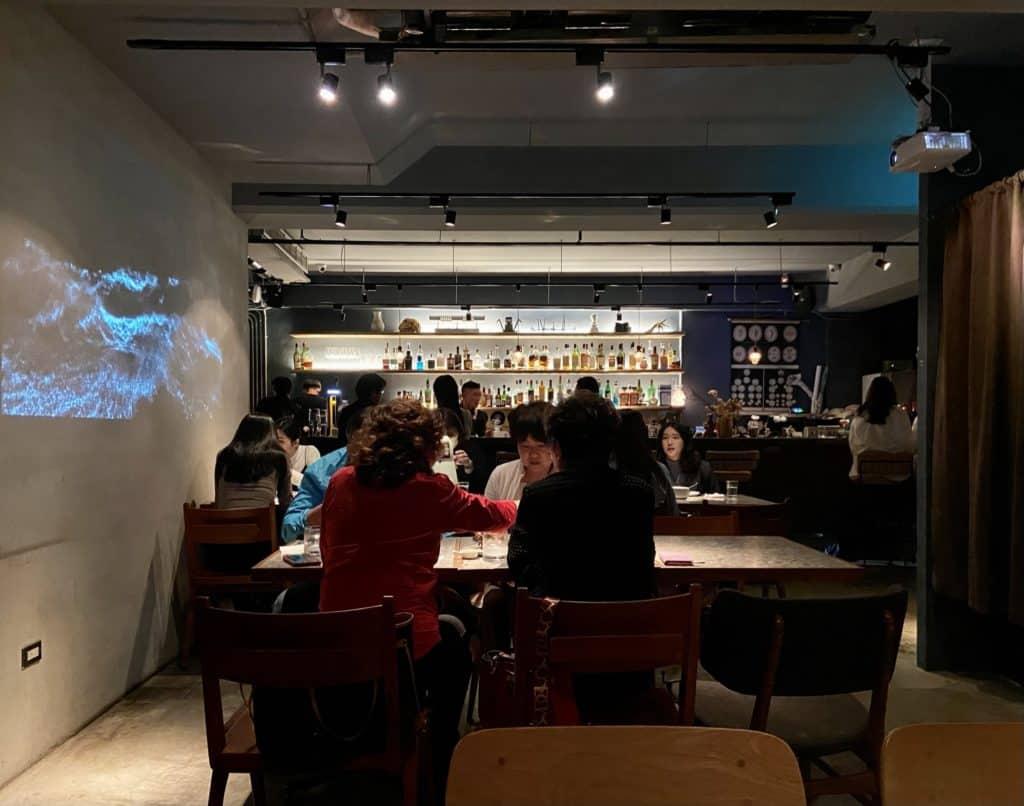 台北大安 Nul Taipei餐酒館 拍貼機與餐酒館的結合 黑白復古拍貼機 享受餐酒微醺 捷運科技大樓站美食 4